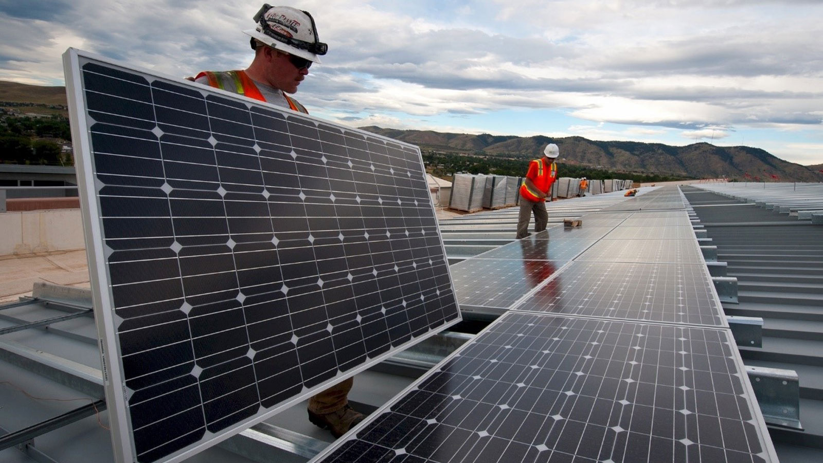 """<h3>SOLAR ENERGY</h3><h5>America produces over <span class=""""slideshowHighlight"""">40 times more solar power</span> than it did in 2009, enough to power more than 9 million average American homes.</h5>"""